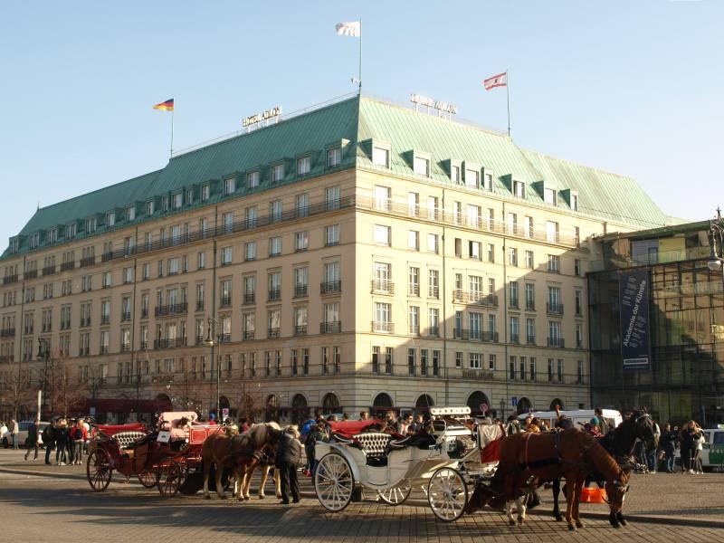 Pariser Platz, das Hotel Adlon und die Akademie der Künste