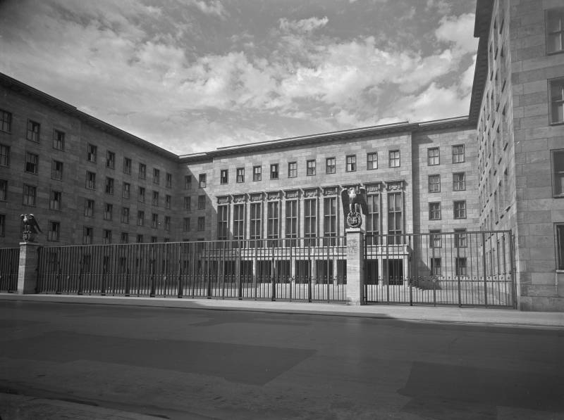 Blick in den Ehrenhof des ehemaligen Reichsluftfahrtministerium