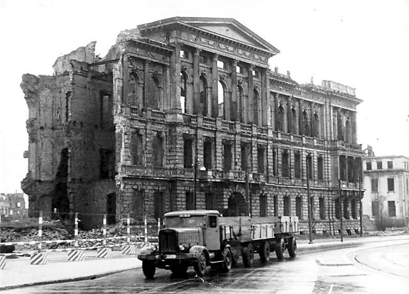 Ruine der ehemaligen Botschaft der USA