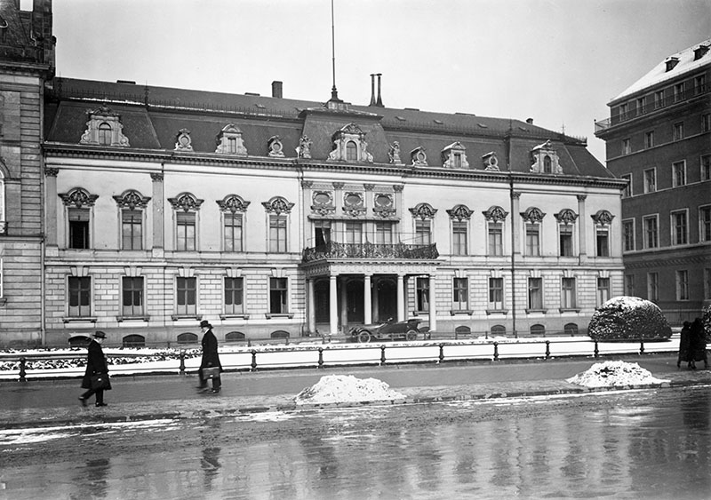 Palais Beauvryé am Pariser Platz, Berlin 1920