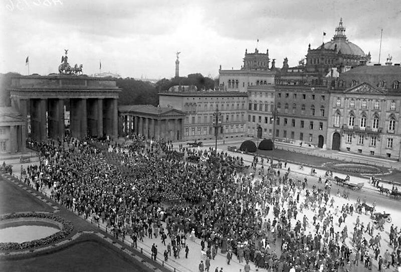 Die Verfassungsfeier in Berlin am 11. August 1923.
