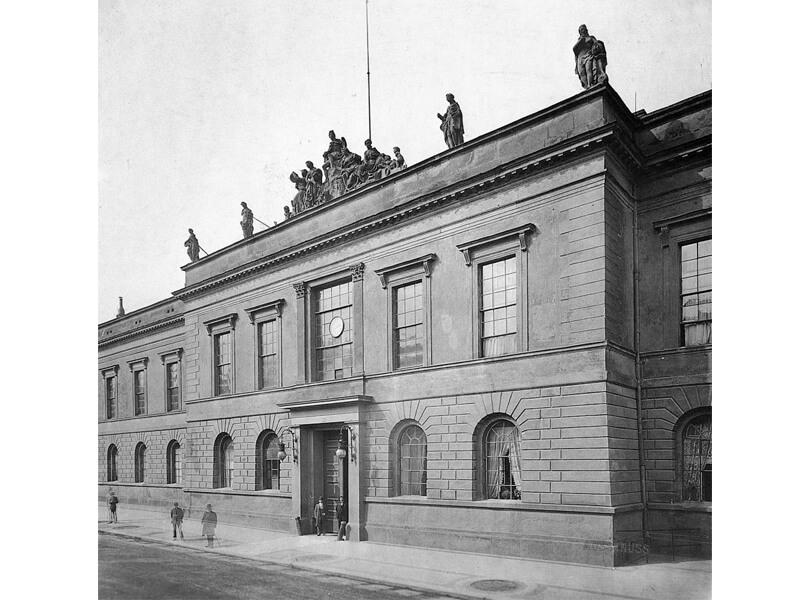 Die alte Preußische Akademie der Künste in Unter den Linden 8