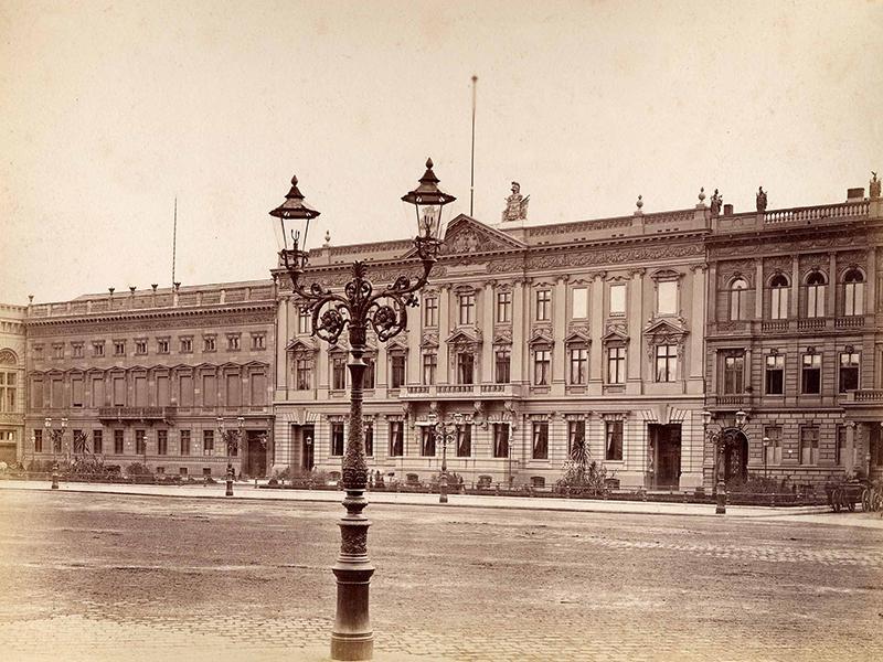 Südseite des Pariser Platzes um 1885