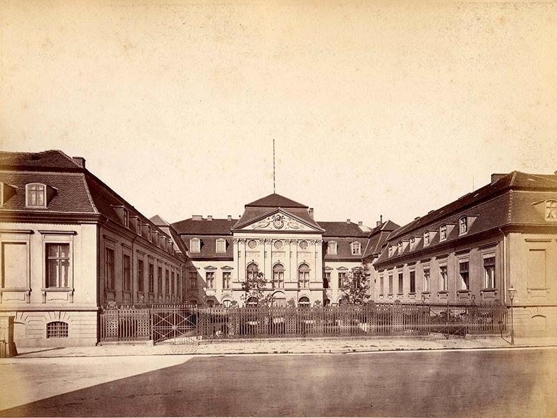Das Reichskanzler-Palais in der Wilhelmstraße 77, Berlin, um 1880