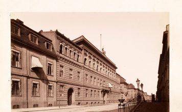 Blick in die Wilhelmstrafle mit dem Reichsamt des Innern in der Nr. 75, Berlin, um 1885